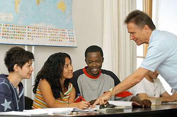 internationales studienzentrum der universit t heidelberg kursangebot am kolleg f r deutsche. Black Bedroom Furniture Sets. Home Design Ideas